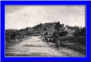 Kalisari tahun 1919 sekarang Jl. Dr. Sutomo tampak didepan ke kanan adalah Jl. Kaligarang.